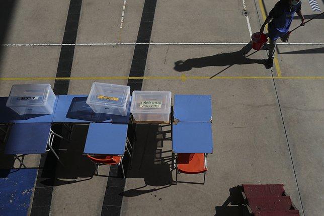 Le Chili élit les rédacteurs de sa nouvelle Constitution