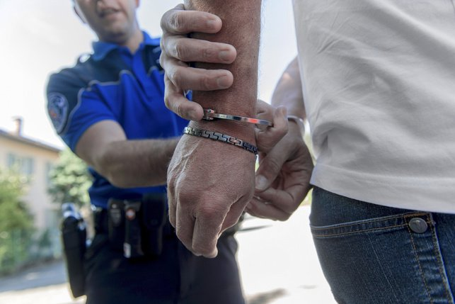 Détention pour les moins de 15 ans