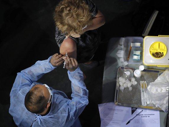 Les plus de 55 ans obtiennent-ils des rendez-vous — Vaccination