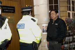 Birmanie: ambassadeur à Londres évincé, heurts meurtriers au centre du pays