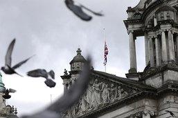 L'annonce de la mort du prince Philip calme les violences