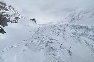 Un randonneur fait une chute mortelle au-dessus de Zermatt (VS)