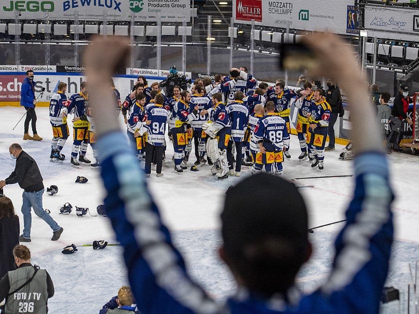 Des milliers de Zougois fêtent le titre de leur club
