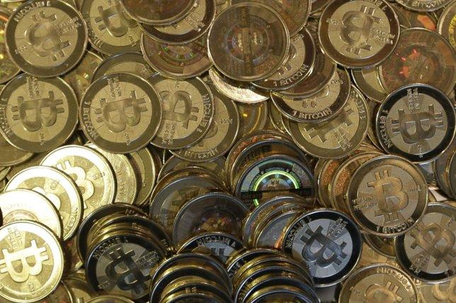 La police démantèle une mine de bitcoin illégale dans son propre QG