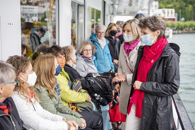 Les femmes célèbrent les 50 ans du droit de vote au Grütli