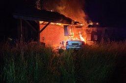 Un accident de la route provoque l'incendie d'une grange à Galmiz
