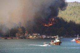 Quatrième jour de lutte contre les feux de forêt dans le Sud turc