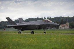 Le f-35 Gagne le ciel Helvétique