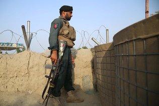 Poursuite des combats pour stopper les talibans devant des villes