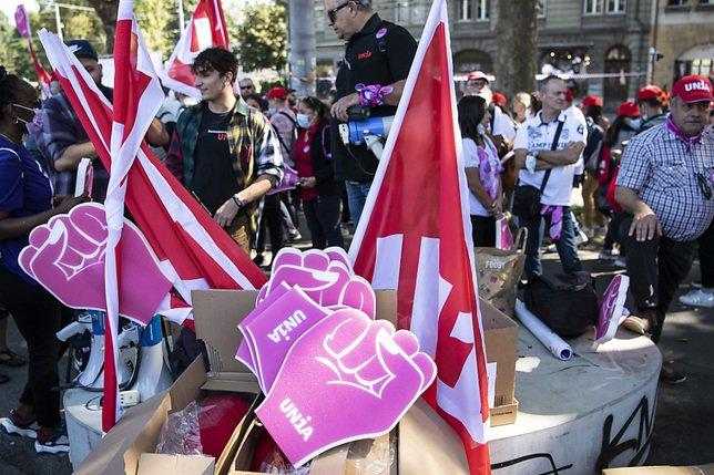 Réforme de l'AVS: 15'000 personnes à Berne selon les syndicats