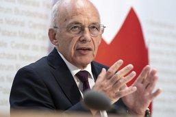 """Certificat obligatoire: mise en oeuvre """"difficile"""" selon Maurer"""