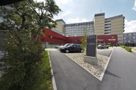 3 nouveaux morts, hospitalisations en baisse