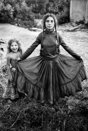 Rroms Caldarari, banlieue de Iasi, été 1990. © Yves Leresche
