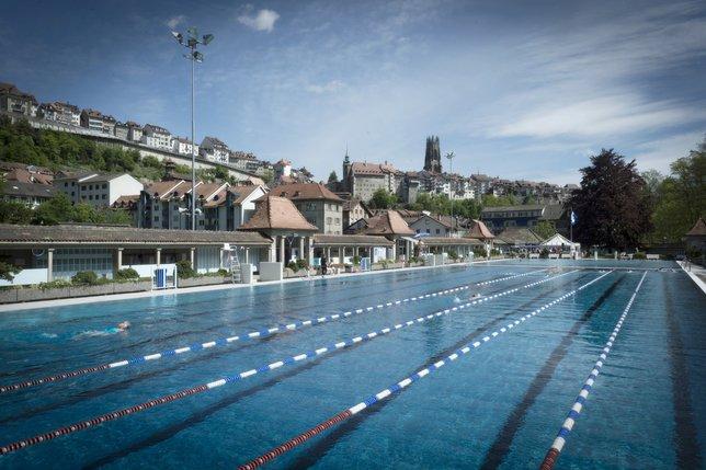 La piscine de la motta a ouvert ses portes la libert for Construction piscine fribourg