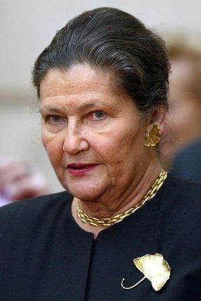 Simone Veil était ministre de la Santé de Valéry Giscard d'Estaing quand elle a - 27_c1_et1_veil
